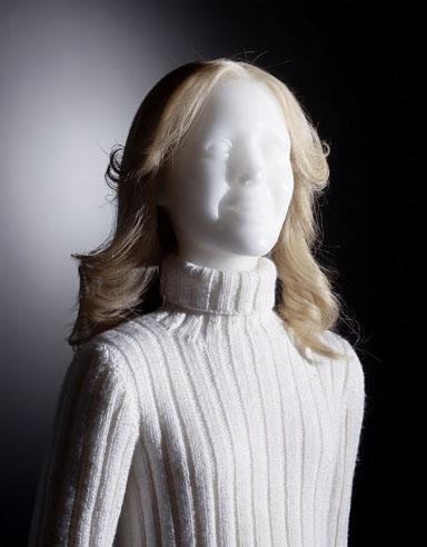 edimer white face girl