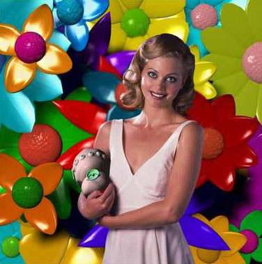 felicity girl holding thing
