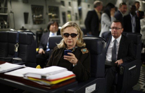 Hillary Clinton departs Malta for Liyba