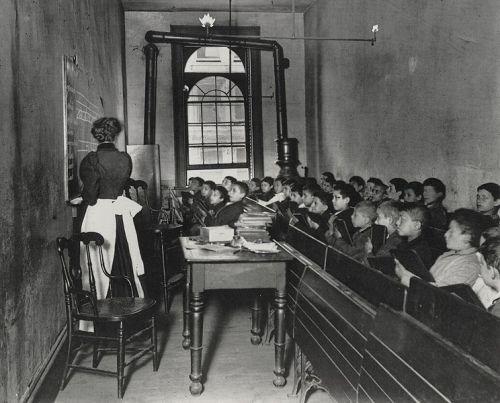 Classroom, 1900 apprx. Jacob Riis, photography.