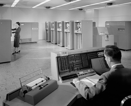 Ezra Stoller, photography. 'IBM 702'; apprx 1955.