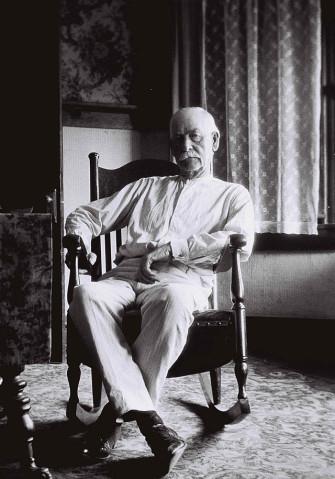 Wyatt Earp, age 75, in Los Angeles apartment. (Photo by John Flood Jr.)