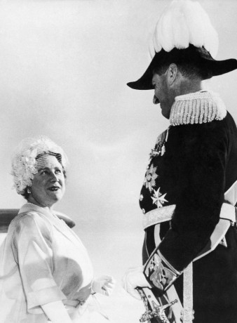 Queen Elizabeth and Lord Dalhousie, on her visit to Rhodesia, 1960.