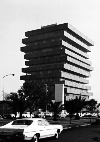 Edificio Palmas, Mexico City. Juan Sordo Madeleno architect. 1975.