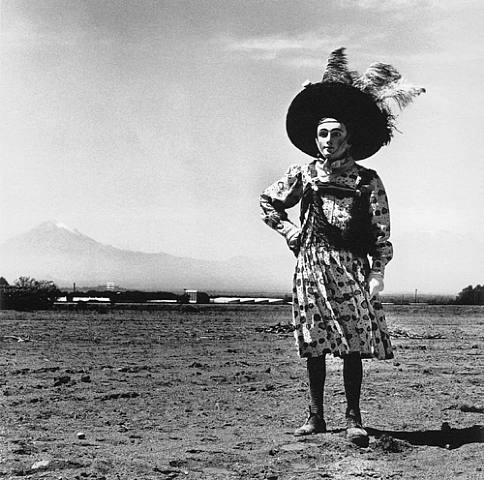 Graciela Iturbide, photography. 1974