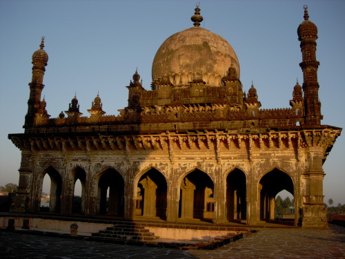 Ibrahim Rauza mosque, Bijapur India. Malik Sandal architect. 1620s.