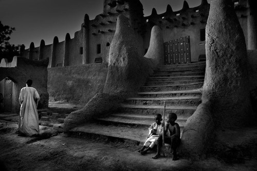 Larry Louie, photography. (Great Mosque, Djenne, Mali)