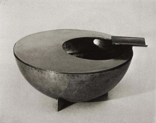 Marianne Brandt (Bauhaus ash tray, 1924).