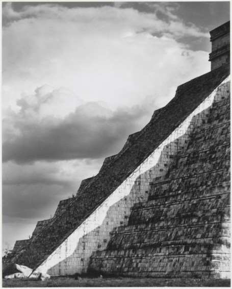 Laura Gilpin, photography. (Chichan Itza, Mexico)